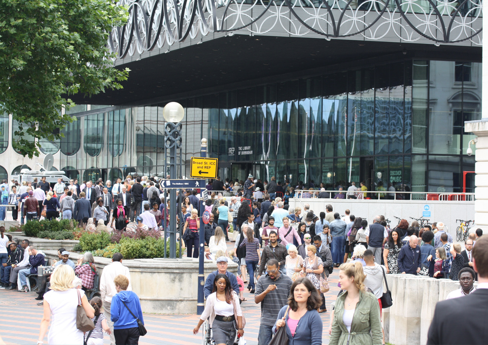 2014 09 17 Mecanoo's Library of Birmingham in the UK hits record numbers
