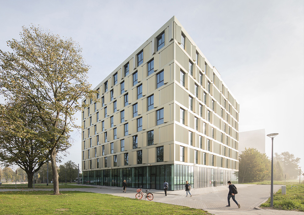 2019 05 30 Mecanoo completes Erasmus Campus Student Housing wrapped in gold-tinted aluminium
