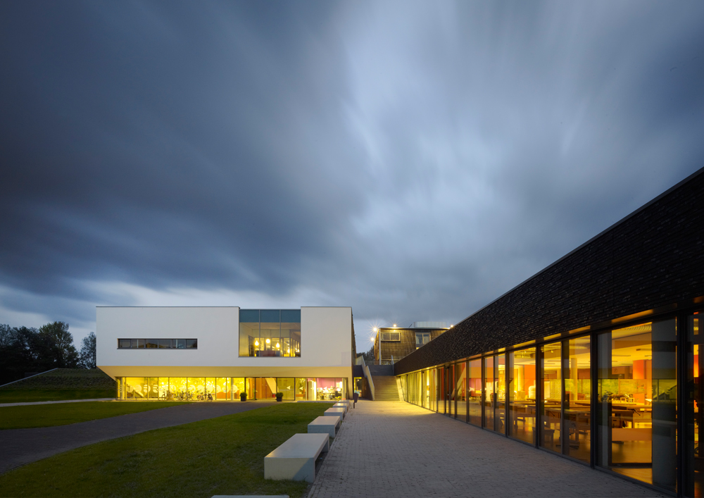 sterren college wins architecture award of haarlem